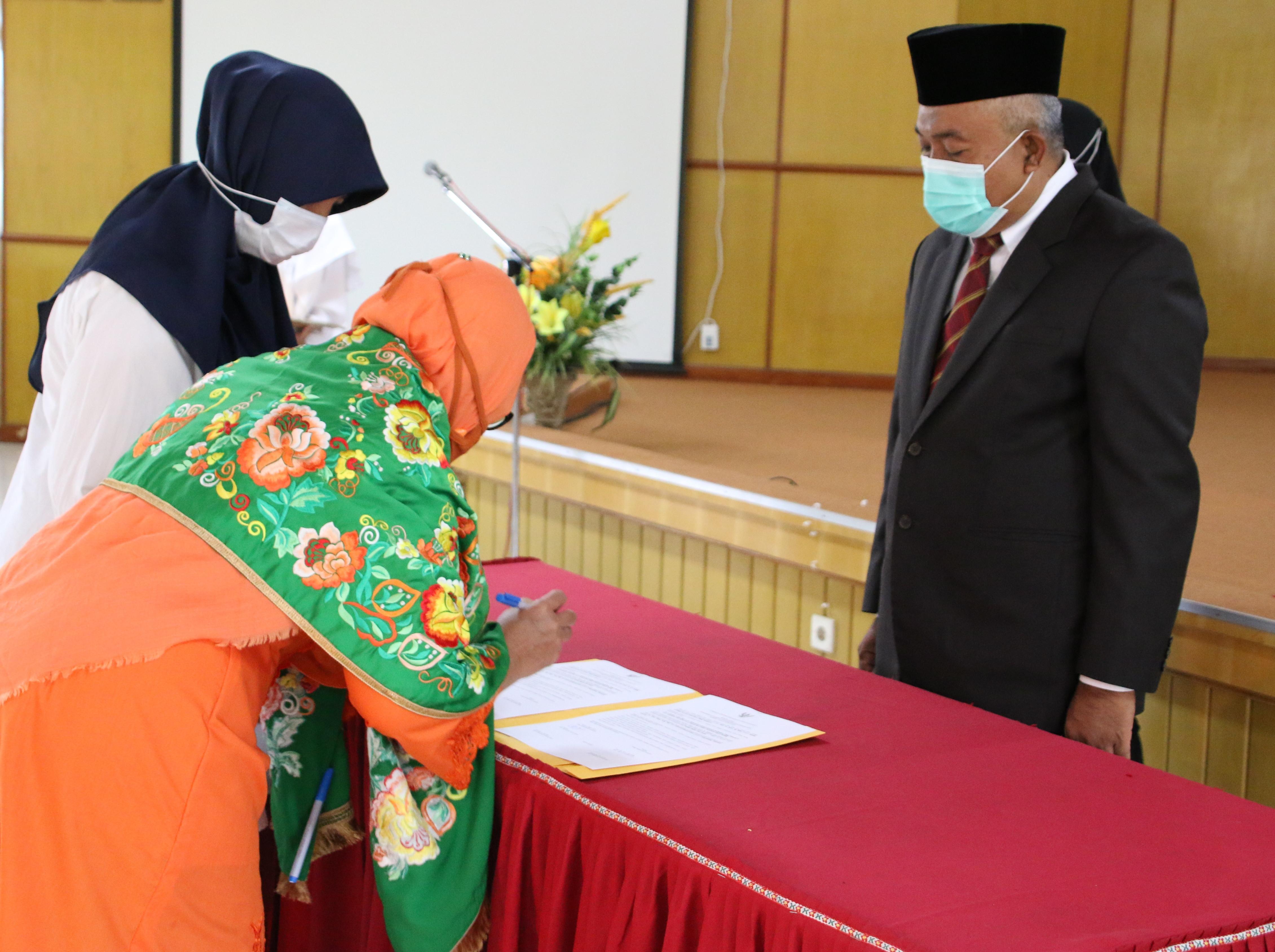 Pelantikan dan Pengambilan Sumpah Pejabat Administrator dan Fungsional Pranata Laboratorium Pendidikan LLDIKTI Wilayah X